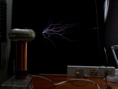 Tesla coil SSTC sparks 3