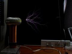 Tesla coil SSTC sparks 4