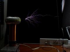 Tesla coil SSTC sparks 11