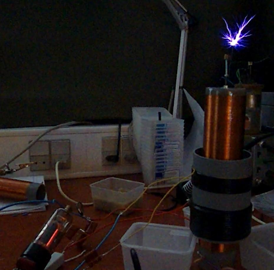 Tesla coil VTTC vacuum tube PL36 sparks