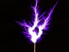 Tesla coil SSTC sparks closeup 2
