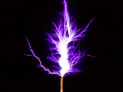 Tesla coil SSTC sparks closeup 4
