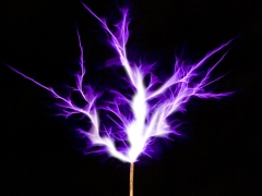 Tesla coil SSTC sparks closeup 5