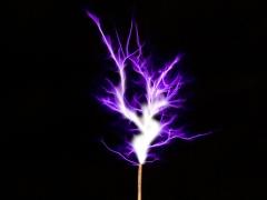 Tesla coil SSTC sparks closeup 6