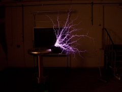 tesla coil DRSSTC upwards sparks 1