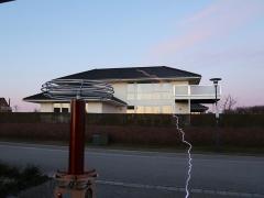 Tesla coil large DRSSTC sparks