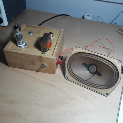 2W UCL82 SE tube amplifier
