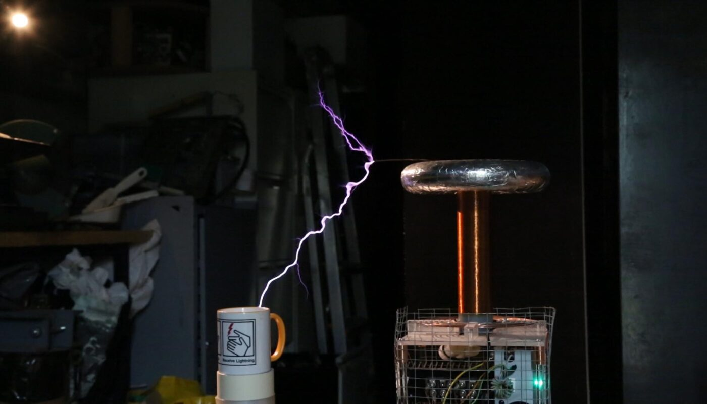 Star Wars - Imperial Death March, on a Musical Tesla Coil