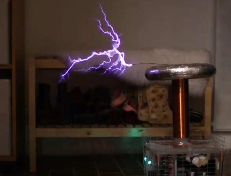 Kaizer DRSSTC2 Tesla coil